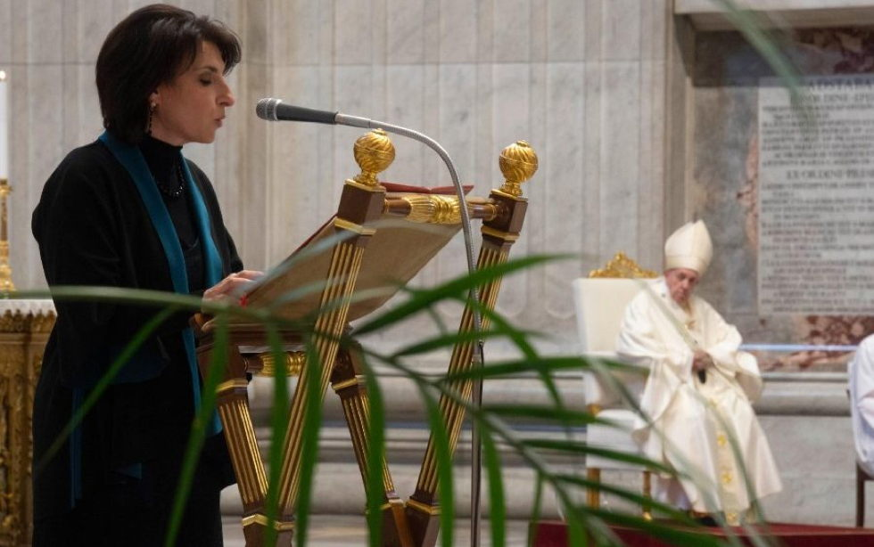 El Papa recupera el lectorado y el acolitado como ministerios laicales, también para las mujeres
