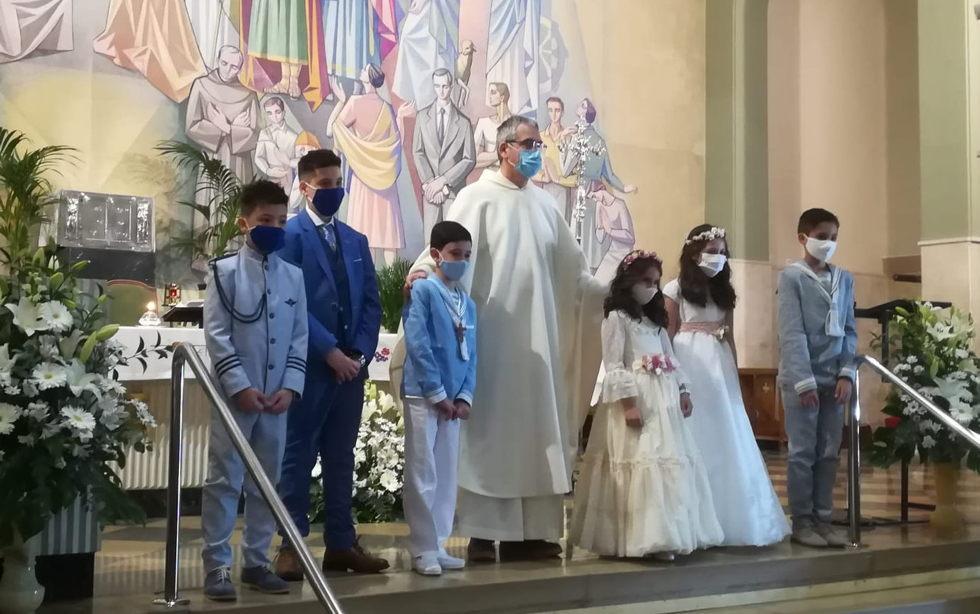 Otros 10 niños de nuestra comunidad han participado por vez primera de la eucaristía este fin de semana