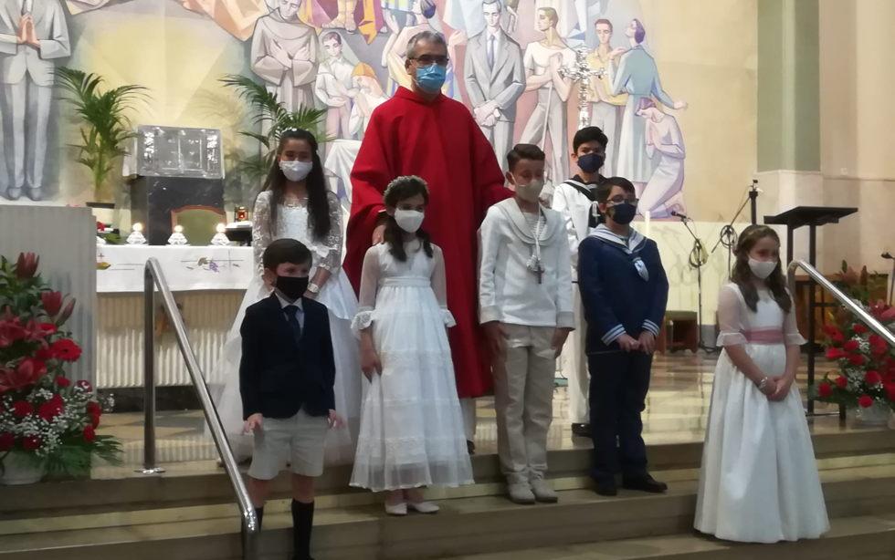 Otros 7 niños de nuestra comunidad han participado por vez primera de la eucaristía este fin de semana