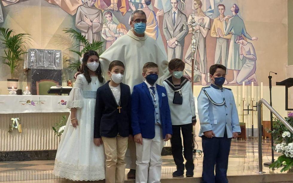 Otros 9 niños de nuestra comunidad han participado por vez primera de la eucaristía este fin de semana